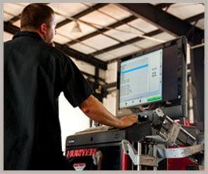 75C_truck-rv-service-technician