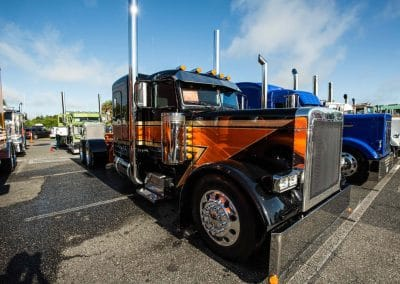 TruckShow75of285